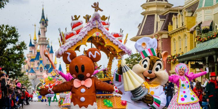 10 raisons d'aller à Disneyland Paris pour Noël