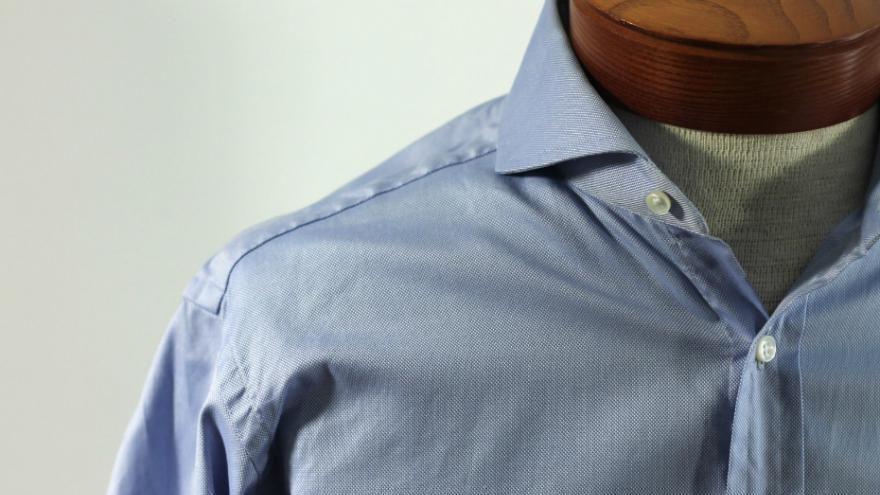 Quelle est l'origine du col de chemise ?