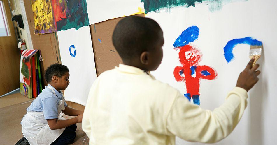 Pourquoi y a-t-il si peu d'étudiants noirs dans les programmes pour surdoués aux États-Unis?