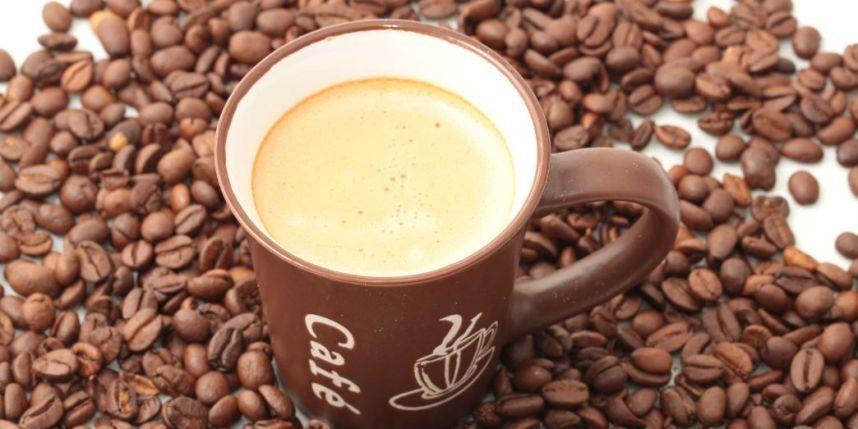 Pour concevoir un bébé, freinez sur le café !
