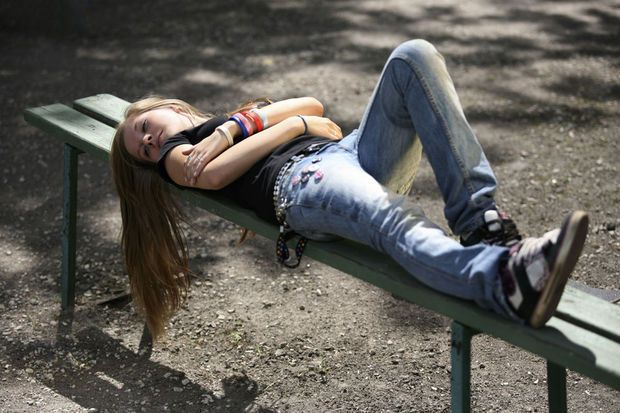 Les adolescents fatigués se comportent plus dangereusement