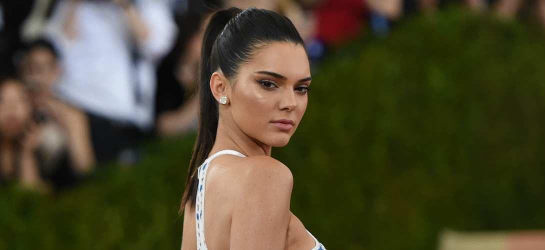 Mais pourquoi Kendall Jenner est-elle à Cannes pour vendre des glaces?