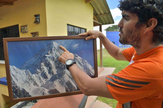 L'incroyable défi de Santiago Quintero, alpiniste amputé des deux pieds