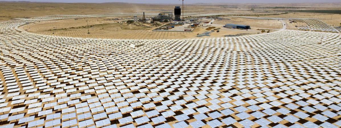La plus haute tour solaire du monde est en construction dans le désert israélien