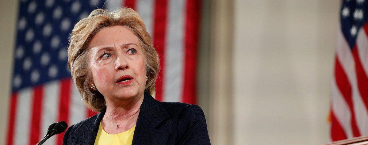Hillary Clinton et Donald Trump au coude à coude