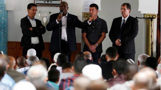 Saint-Etienne-du-Rouvray : un prêche d'union et de fraternité à la mosquée