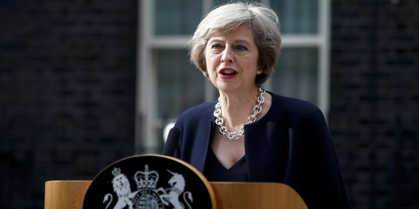 Theresa May annonce un plan de relance industrielle, du jamais-vu depuis trente ans