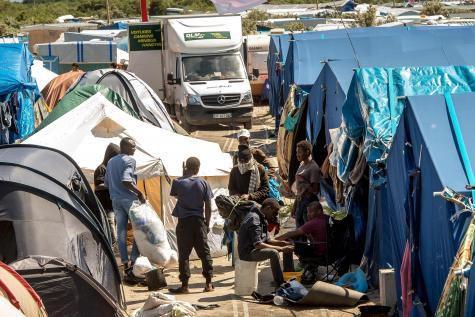 Nombre record de réfugiés dans la jungle de Calais