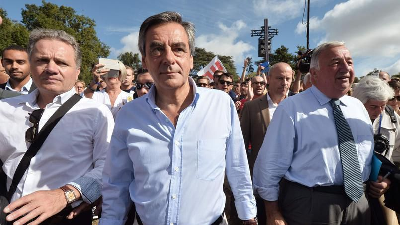 La charge de Fillon : «Qui imagine de Gaulle mis en examen ?»