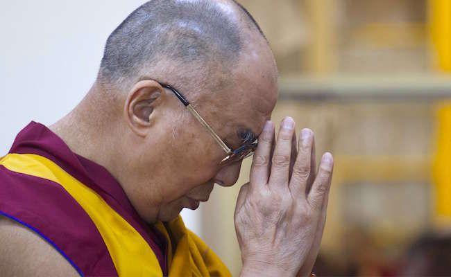 Le pape a-t-il volé le job du Dalaï Lama ?