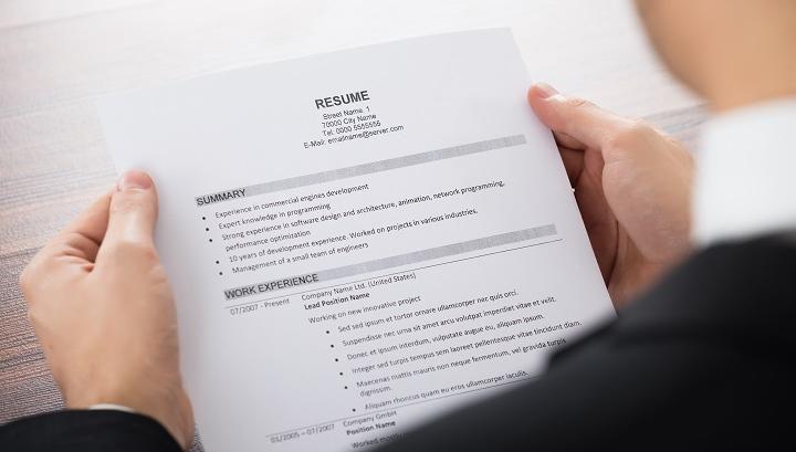 10 conseils pour écrire un CV parfait en anglais