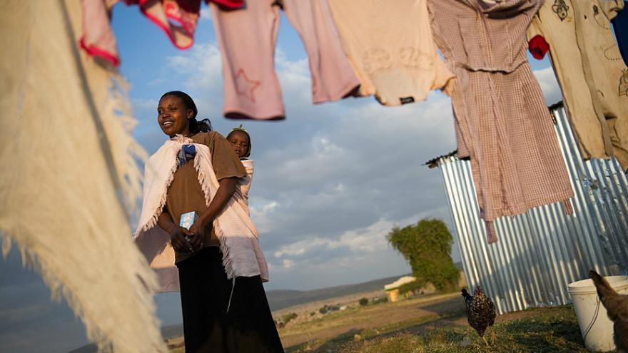 Le revenu de base testé à grande échelle au Kenya