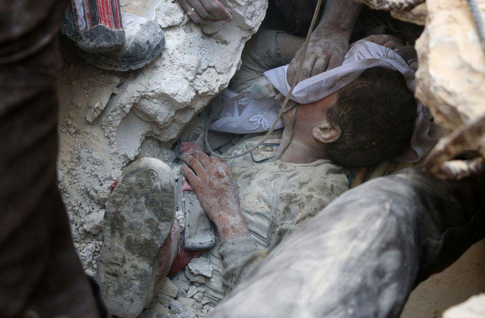 71 civils tués en 48 h dans des bombardements à Alep