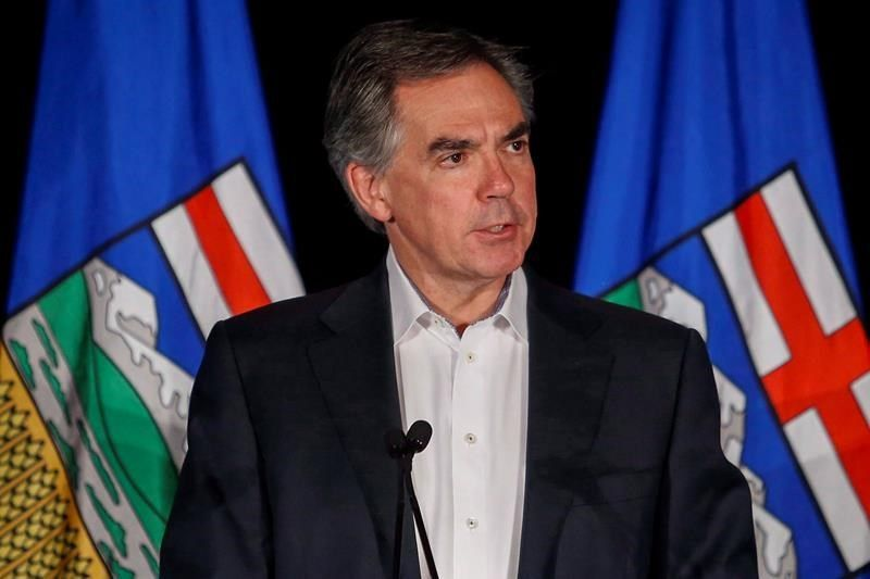 Former Alberta premier Jim Prentice among 4 killed in B.C. plane crash