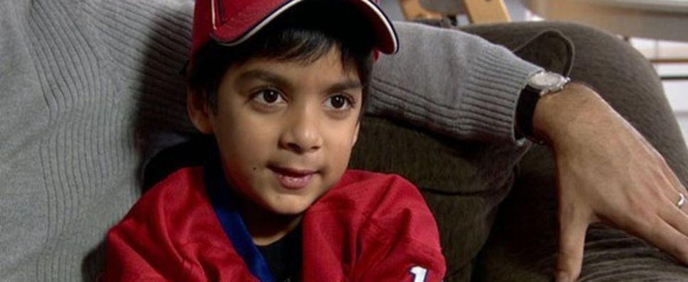 Le petit Syed Adam Ahmed toujours interdit de vol après un an