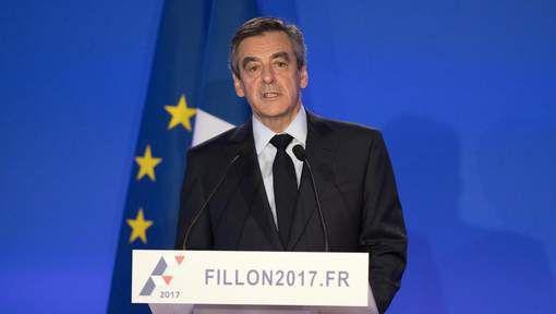 Le grand oral de François Fillon pas très convaincant, estime la presse