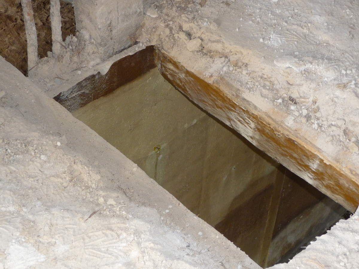Démolition du plafond au dessus de l'ancienne cuisine, ancienne Salle de bain et local de service (Avril 2014)