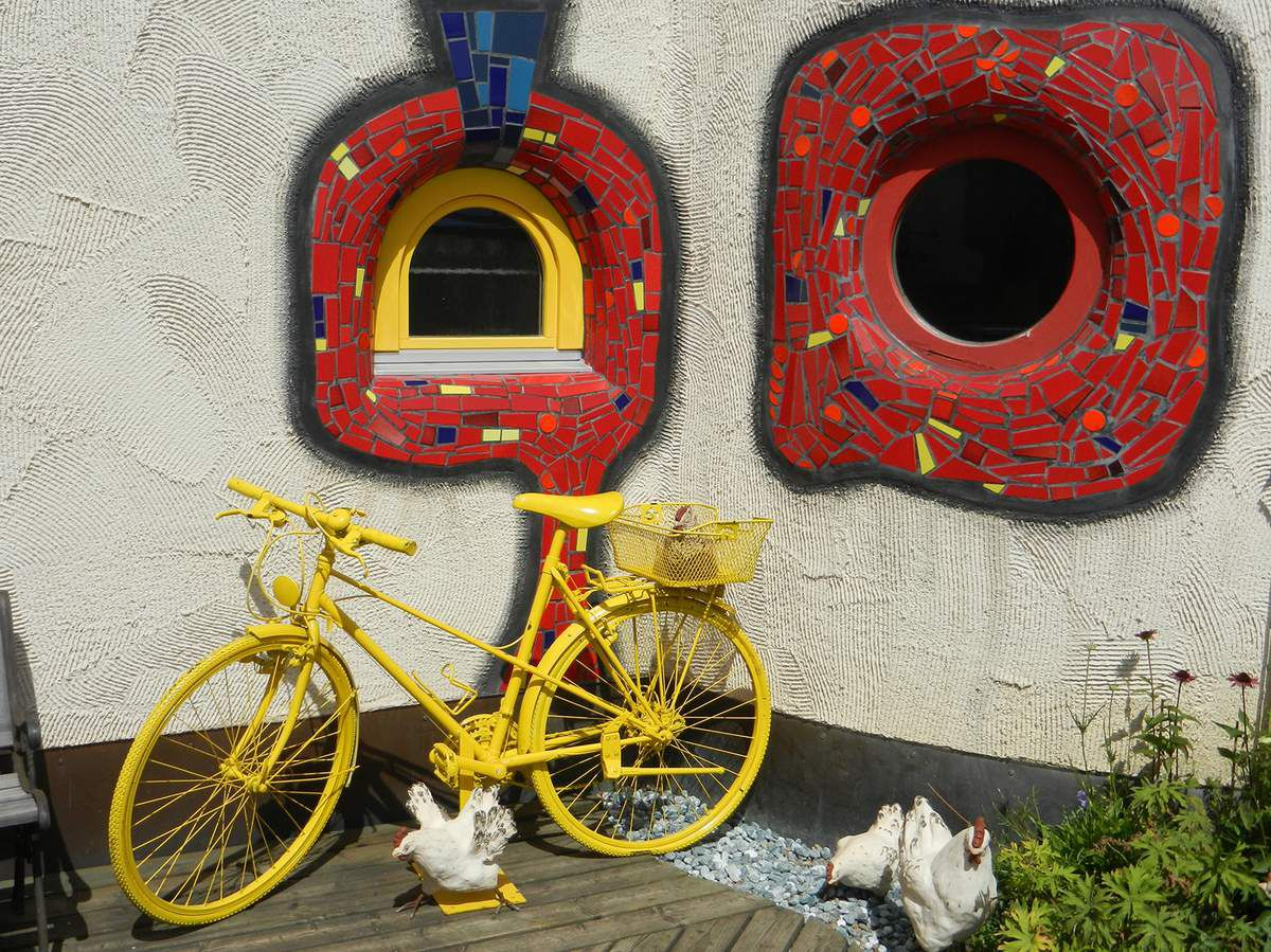 Vienne (Autriche), pas de doute en jaune, ne soyons pas chauvin il nous reste le jaune d'œuf...