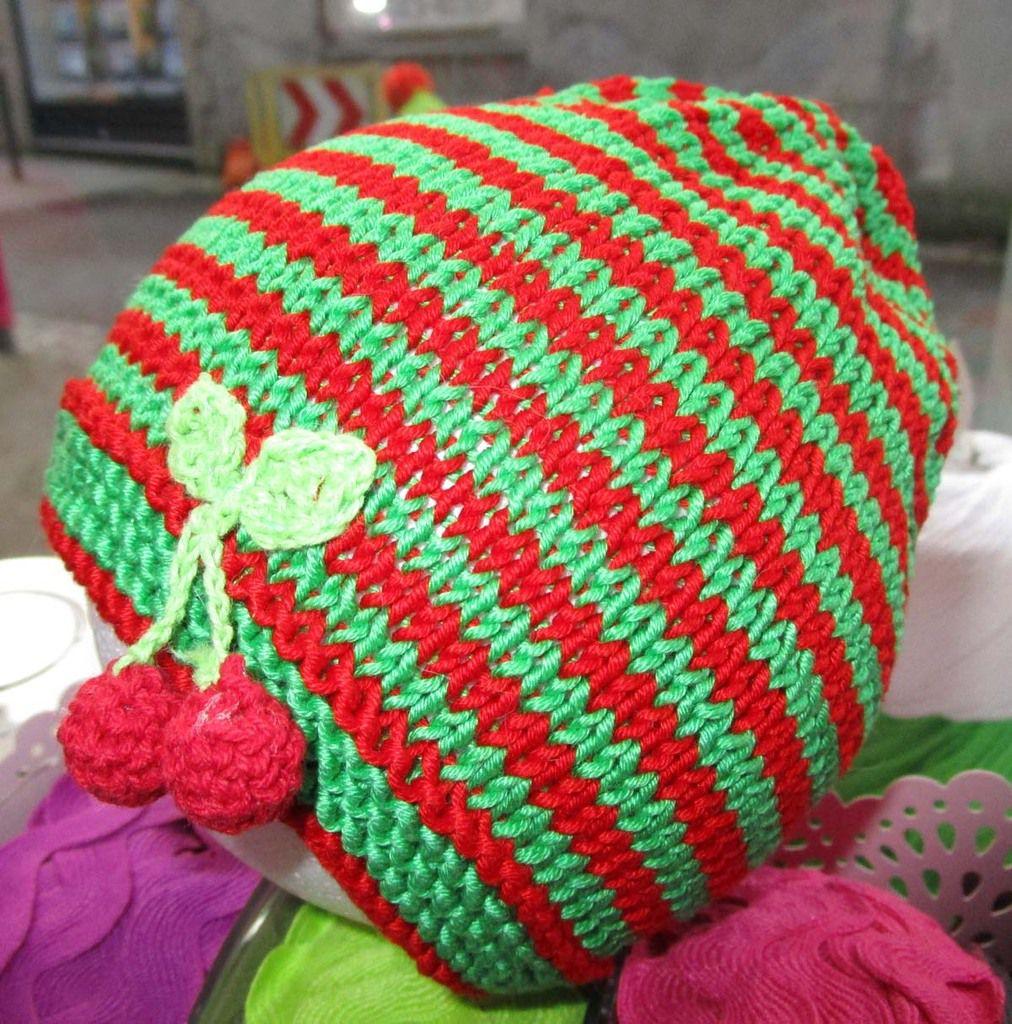de nombreux kits tricot, pour les tout petits, disponibles à la boutique
