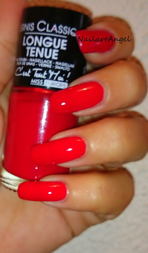 vernis rouge, ambiance pop, galerie vernis