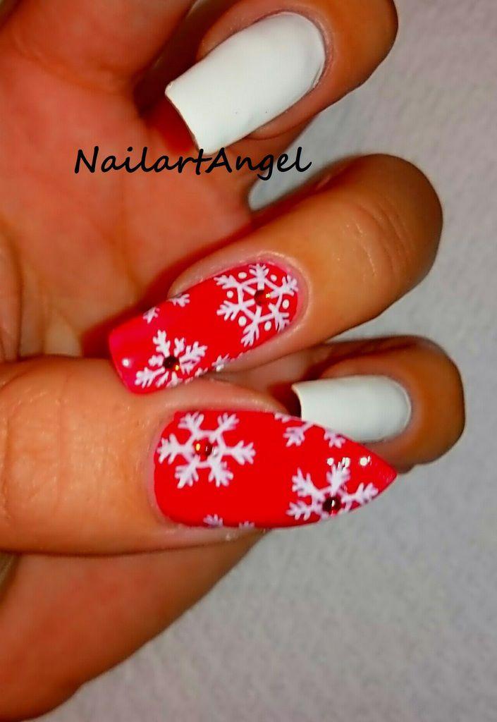 Nail art flocon de neige, fleurs des neiges