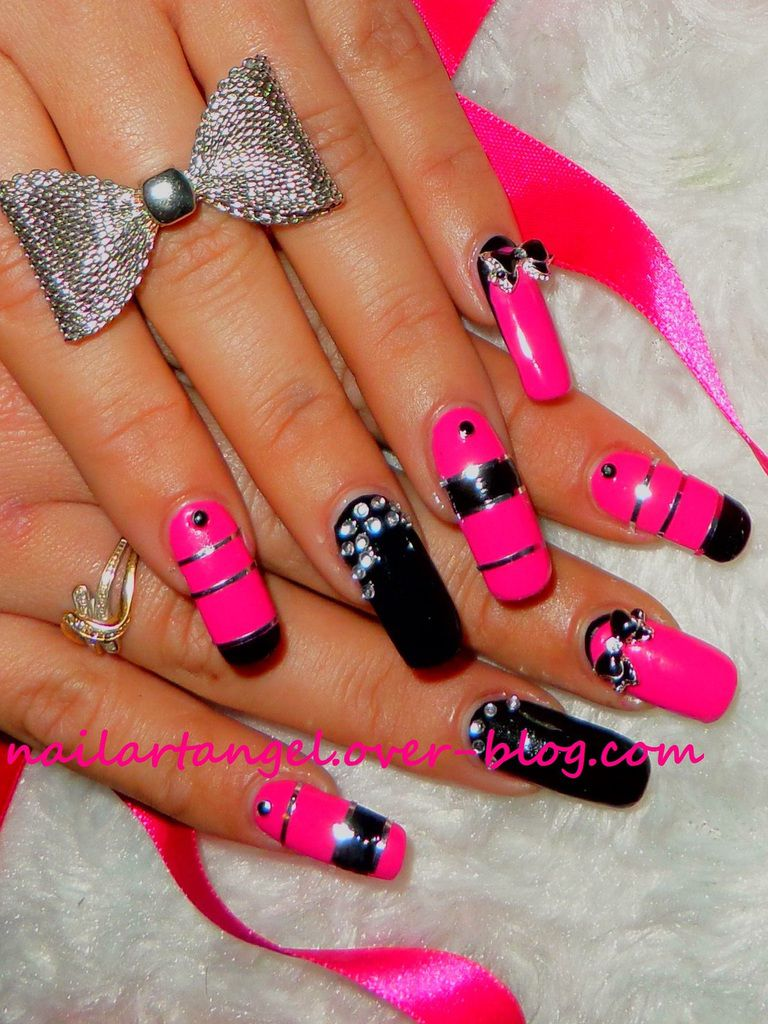 nail art pink and black, ambiance rock et glam. Inspiré du parfum PACO RABBANE #pacorabbane nailartangel #nailart #nailartangel #rock #glamour
