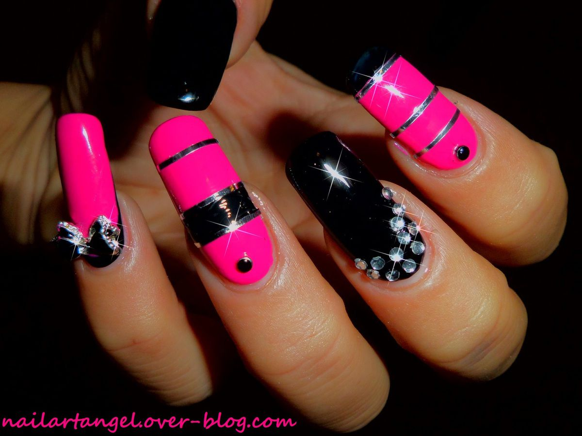 nail art glam rock, pink and black, inspiration parfum PACO RABBANE #nailart #glma #rock nailartangel #nailartangel