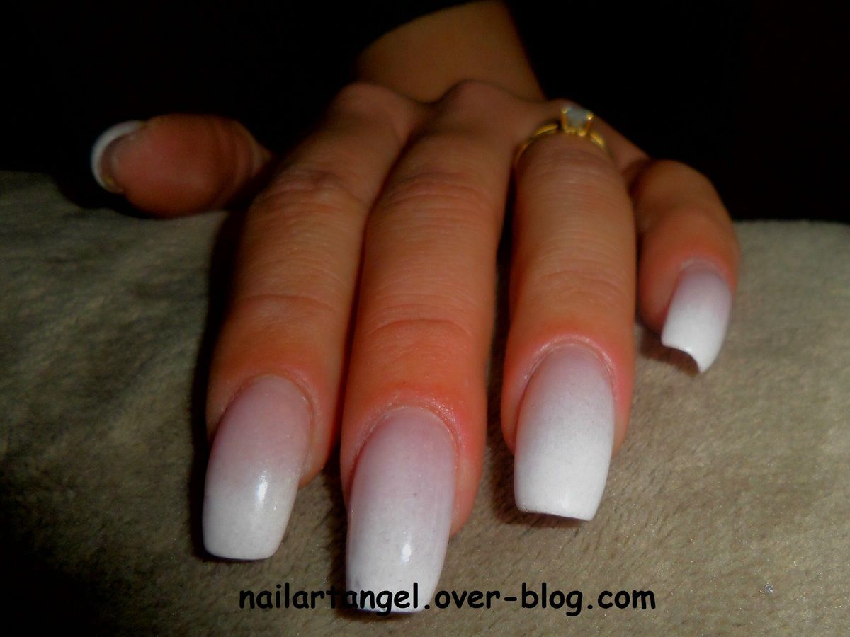 faux ongles baby boomer