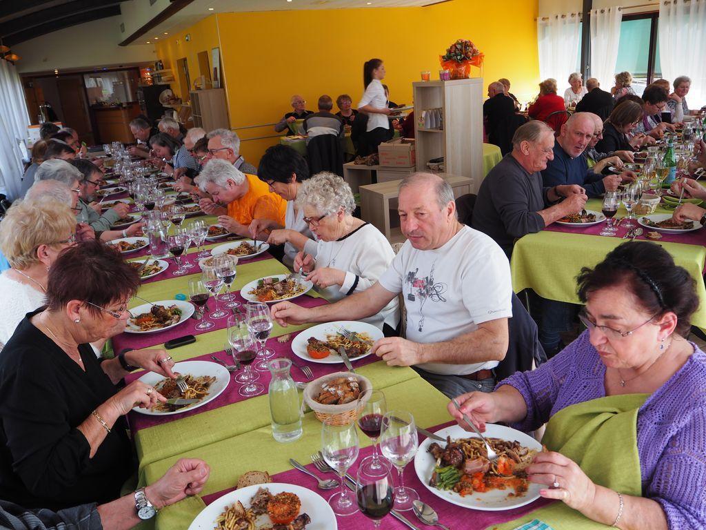 Repas de Génération Mouvement, secteur Vôge, au Moulin Cotant