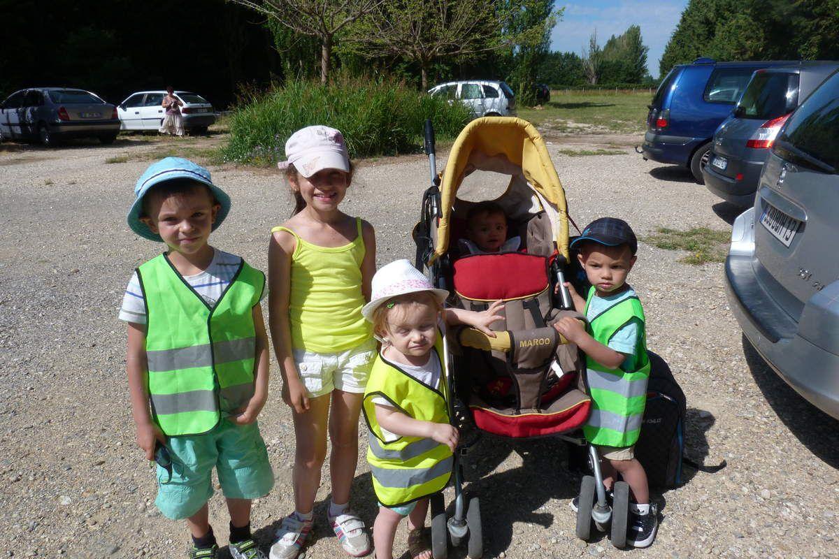 Nous revoilà... casquettes sur nos têtes, crème solaire, et nos gilets jaunes.. C'est parti !