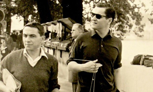 """John Ashbery (right) and Pierre Martory stroll along the Seine in Paris, 1958 - Source : """"the Guardian"""" , lien ci-dessous -."""