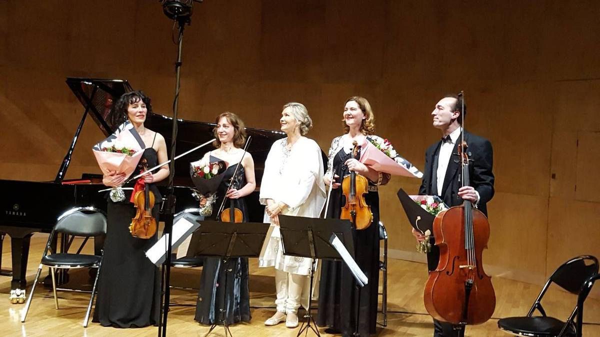 Carnet 44 -  Elizabeth Sombart et le quatuor Résonance - Concertos pour piano de Chopin