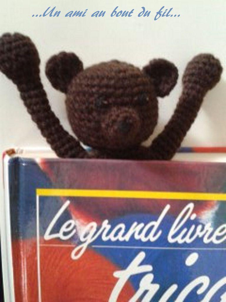 ...Un petit ours marque-page...