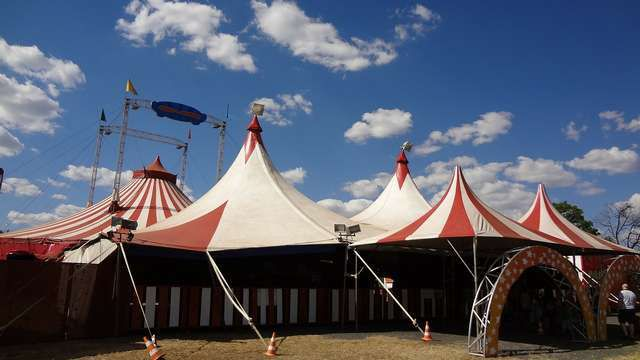 Circuses poses magic power - almost everybody instantyl feels festive in the tent!