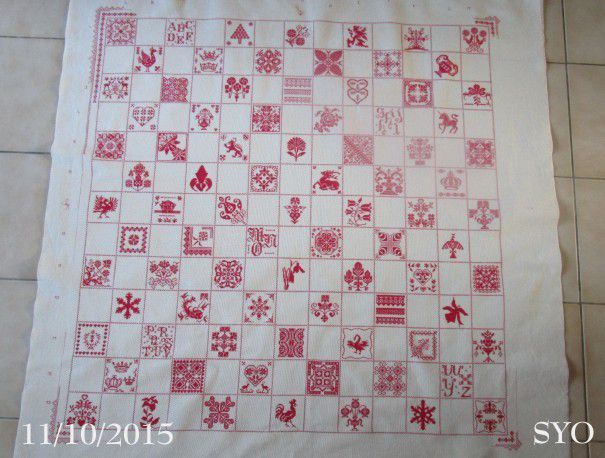 SAL : Plaid Broderie Rouge... Grille 46 / G1