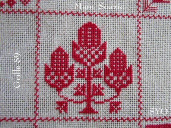 SAL : Plaid Broderie Rouge... Grille  89 / I 9