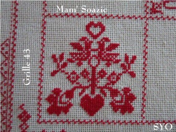 SAL : Plaid Broderie Rouge... Grille  43 / A13