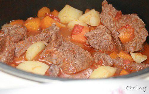 Boeuf aux carottes et pommes de terre