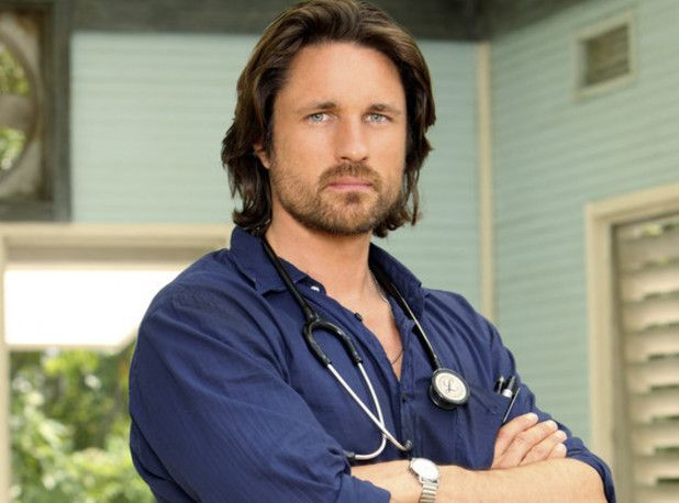 La production de &quot&#x3B;Grey's Anatomy&quot&#x3B; prolonge le contrat de Jessica Capshaw jusqu'en 2018 et fait signer Martin Henderson (&quot&#x3B;Off The Map&quot&#x3B;) pour la saison 12