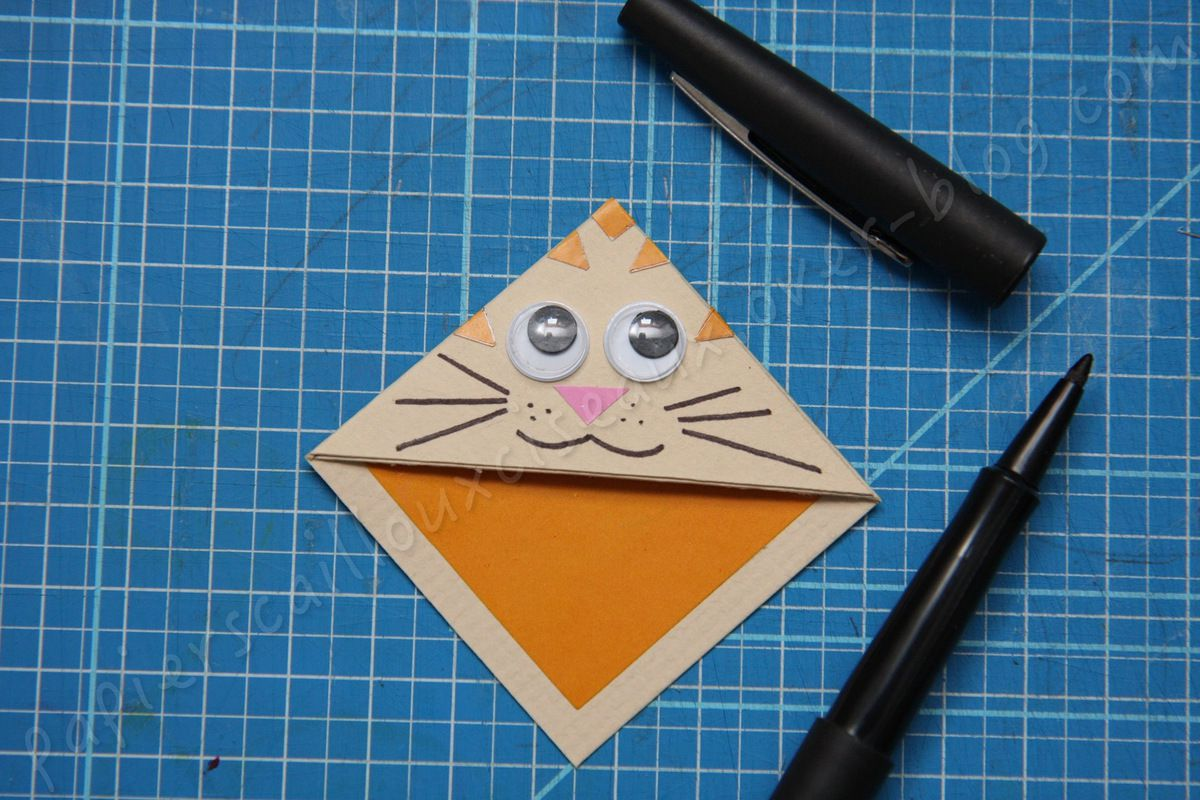 Marque page: chat