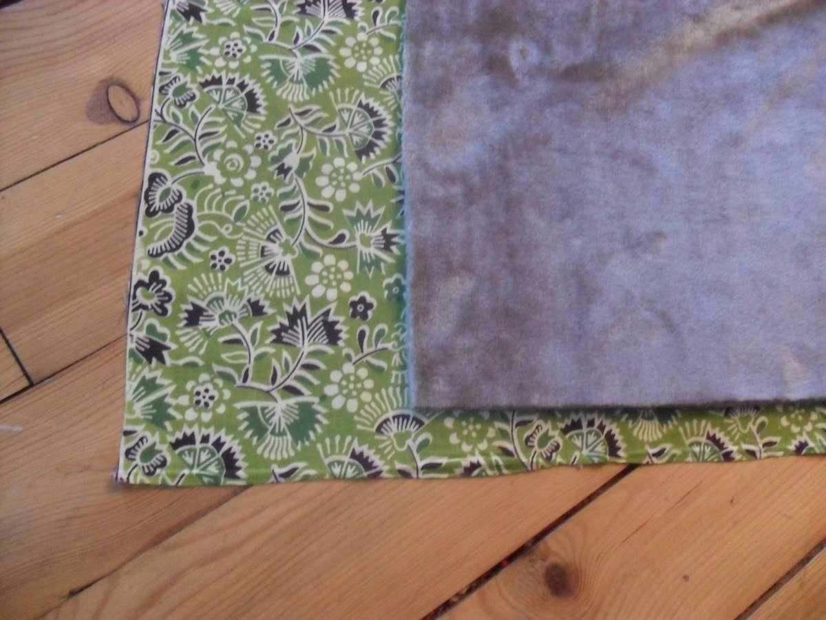 tissu doudou de chez stof, tissu vert ramené de Bali par A. et A. <3
