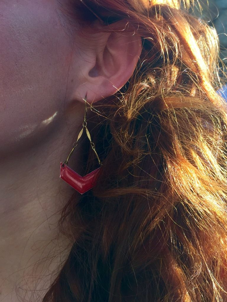 Les jolies boucles d'oreilles de chez cherry bones
