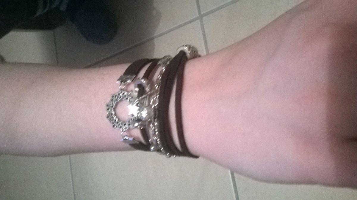 Bracelet facon hipanema