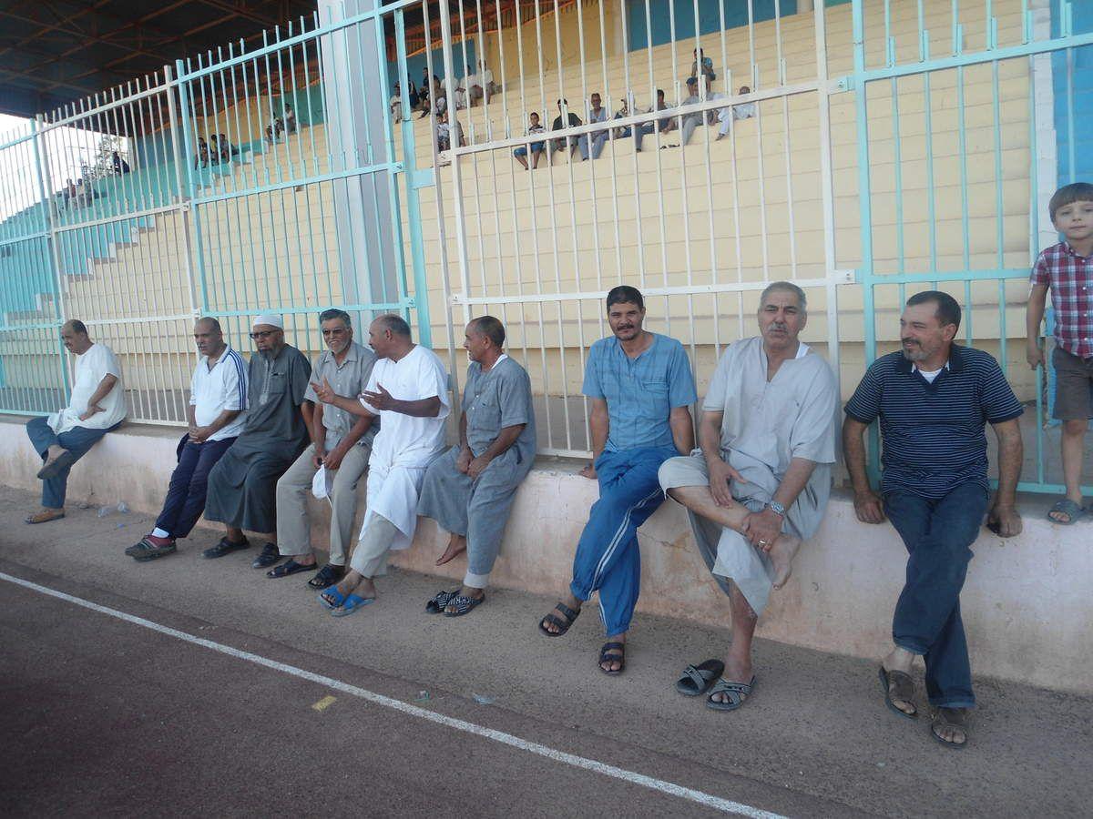 Si Med et Si Miloud anciens amis du docteur Benhaouech étaient  présents ainsi  que beaucoup d' autres..