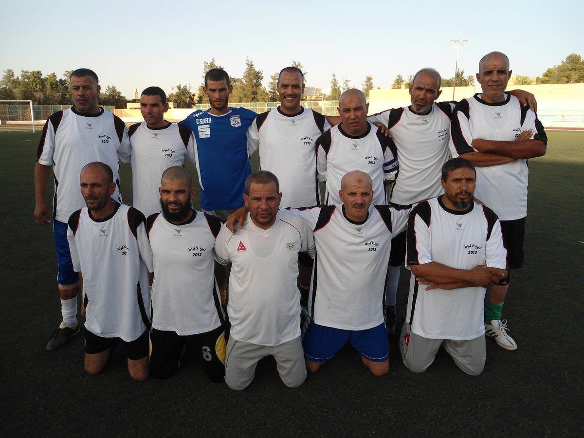 Les vétérans d'ElMaghdar en blanc et les vétérans des finances en gris.