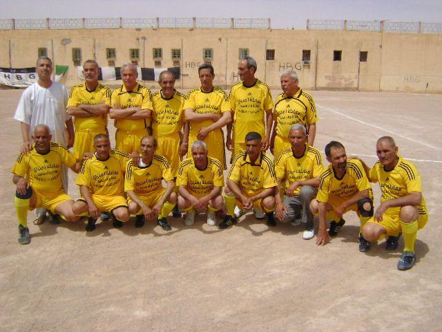 Si H'mida avec les anciens footballeurs à Zelfana et Ghardaia.