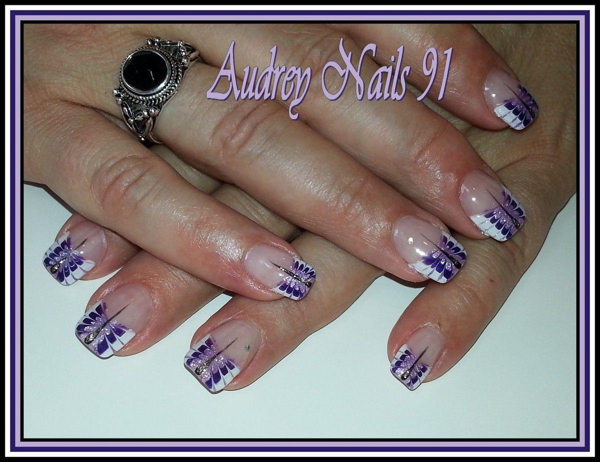 French papillon blanc, violet, mauve