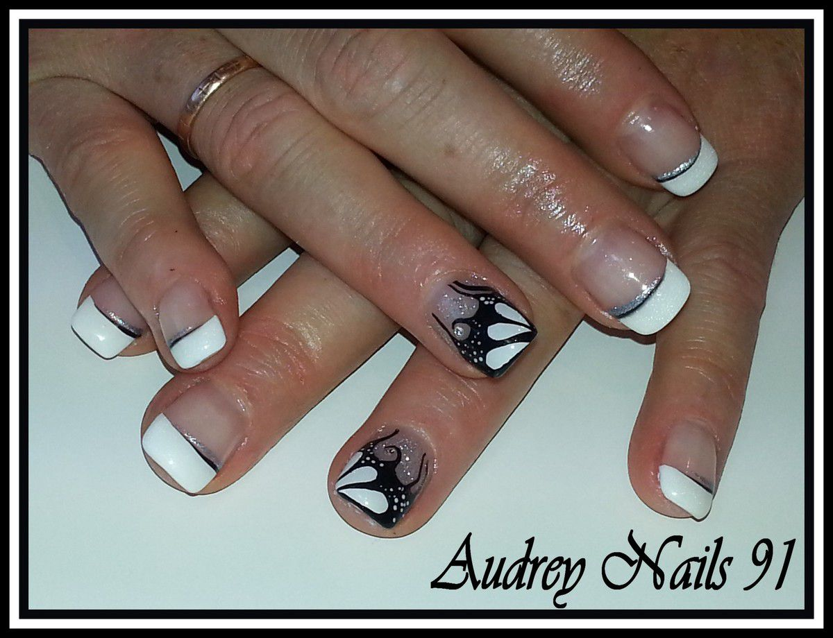 french blanche nail art noir et blanc fa on tartofraise. Black Bedroom Furniture Sets. Home Design Ideas