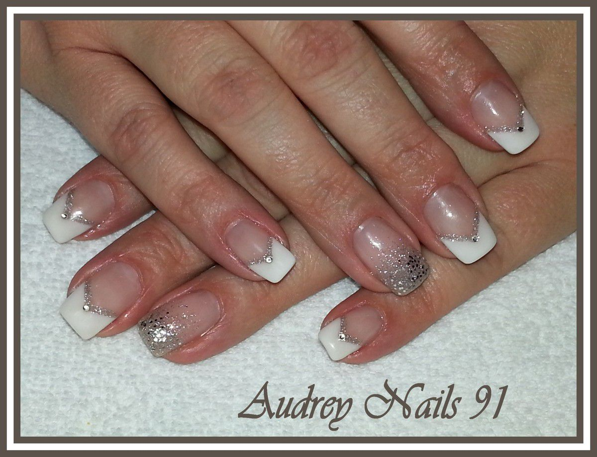 French en v blanche d co scintillant et paillet argent institut de beaut audrey nails 91 - Deco french manucure ...
