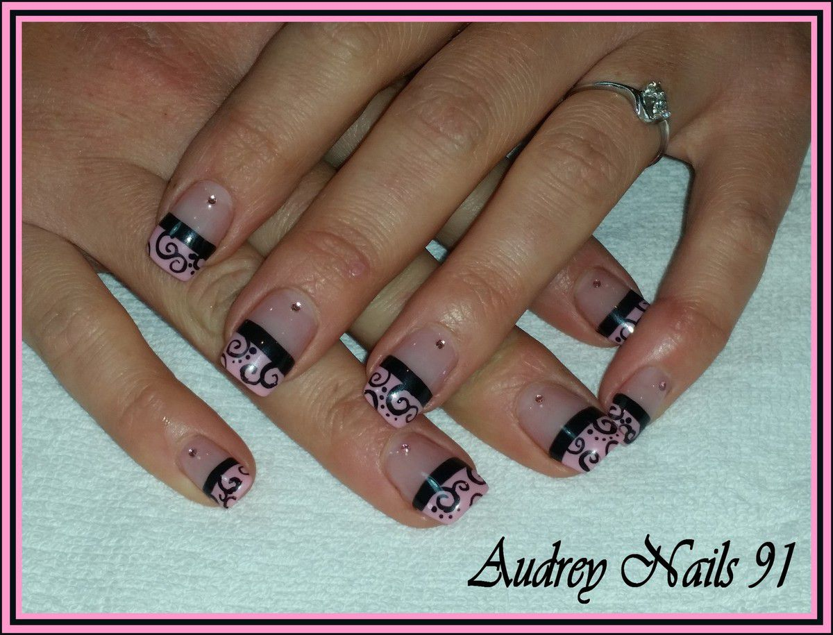 French rose + arabesques noires (tartofraises)
